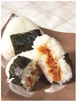 onigiri0731-02 おにぎりの具おかかや肉巻き人気レシピ!スザンヌが作ったくまモンが話題