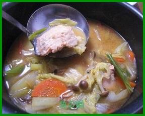 1130-1 鍋に魚を入れる人気レシピで寒い冬も乗り切ろう。