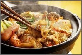 gu キムチ鍋レシピ具材の定番一覧表保存版・人気のしめは3種類