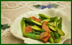 asu1 アスパラの下処理・レンジの茹で時間は?茹でずに炒めるレシピ